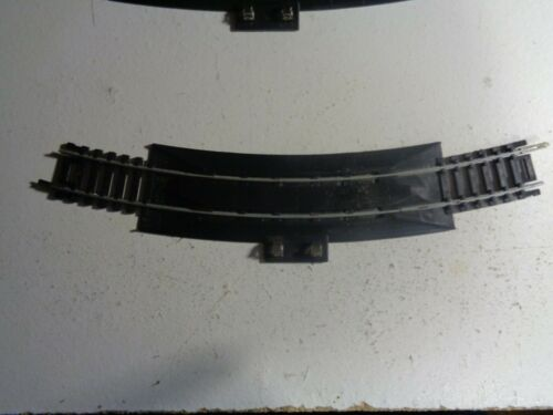 HO SCALE TYCO PLATED STEEL  18 IN  RADIUS RERAILER TERMINAL  NO 25671  5-116-5