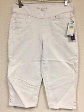 d9a2e09c5447b item 1 New Gloria Vanderbilt Women s Avery Pull On Skimmer Capri Pants 6