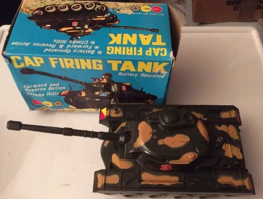 Vintage Marx Toys 'Battery Operated Cap Firing Tank' Superb Condition