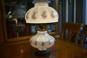 Antique-Original-Hurricane-Gone-with-the-Wind-Fenton-Large-Lamp