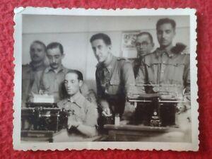 PHOTO-MILITARES-ESCRIBIENDO-A-MAQUINA-DE-ESCRIBIR-TYPING-TYPEWRITER-REMINGTON