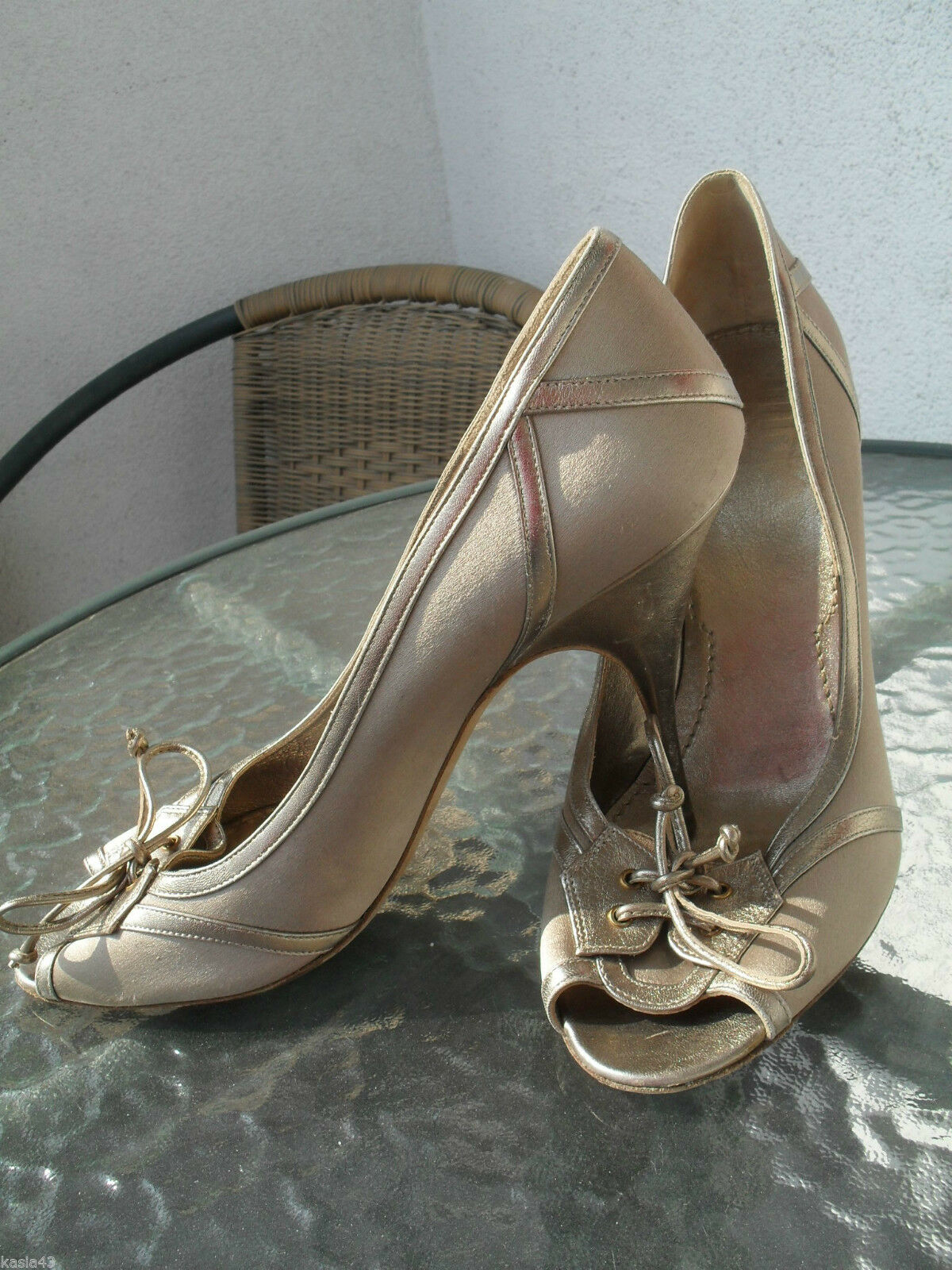 GIVENCHY Gold Satin Open Toe Stiletto Pumps Leder trim Größe 39,5 / 9-9,5 US