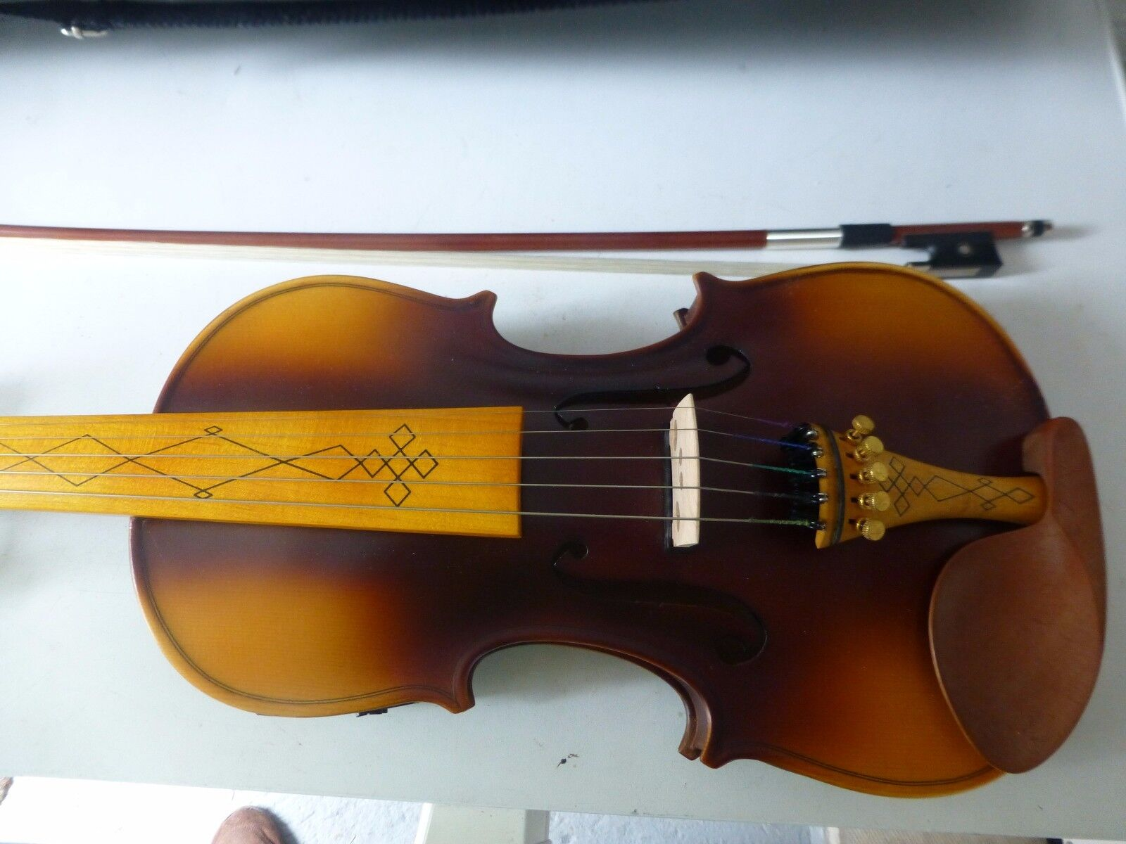 FIDDLE  CELTIC, CEILIDH, BAROQUE, EXTRA STRING, ELECTRO-ACOUSTIC WITH BOW CASE.