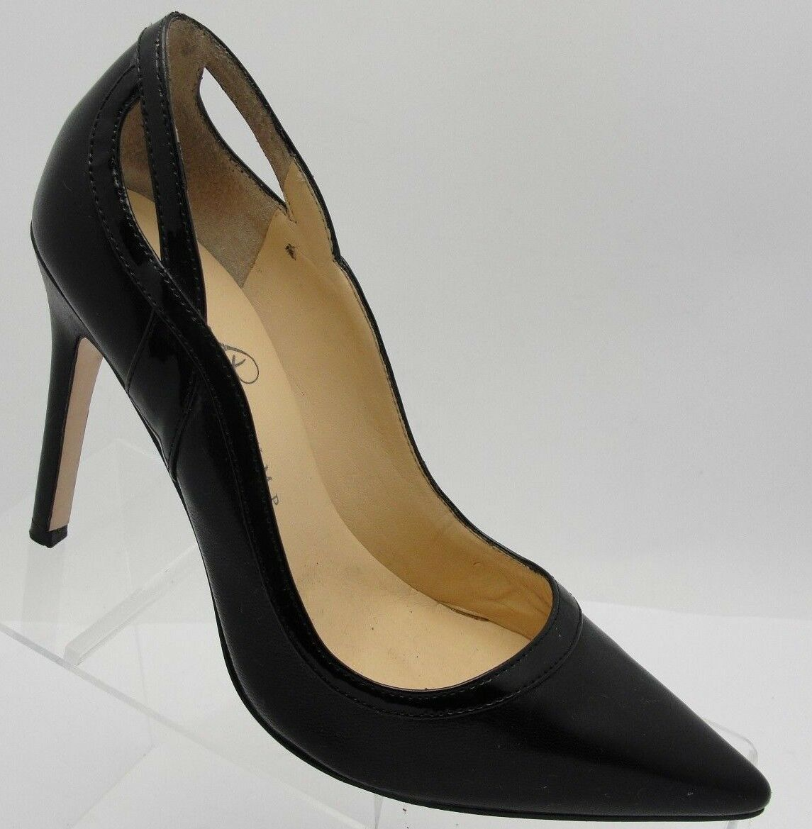 Ivanka Trump Women's Black Leather Pointy Toe Pumps 7 M Heels EUC! S39