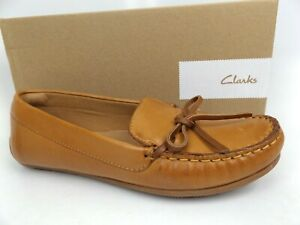 Clarks Womens Dameo Swing Driving Style Loafer