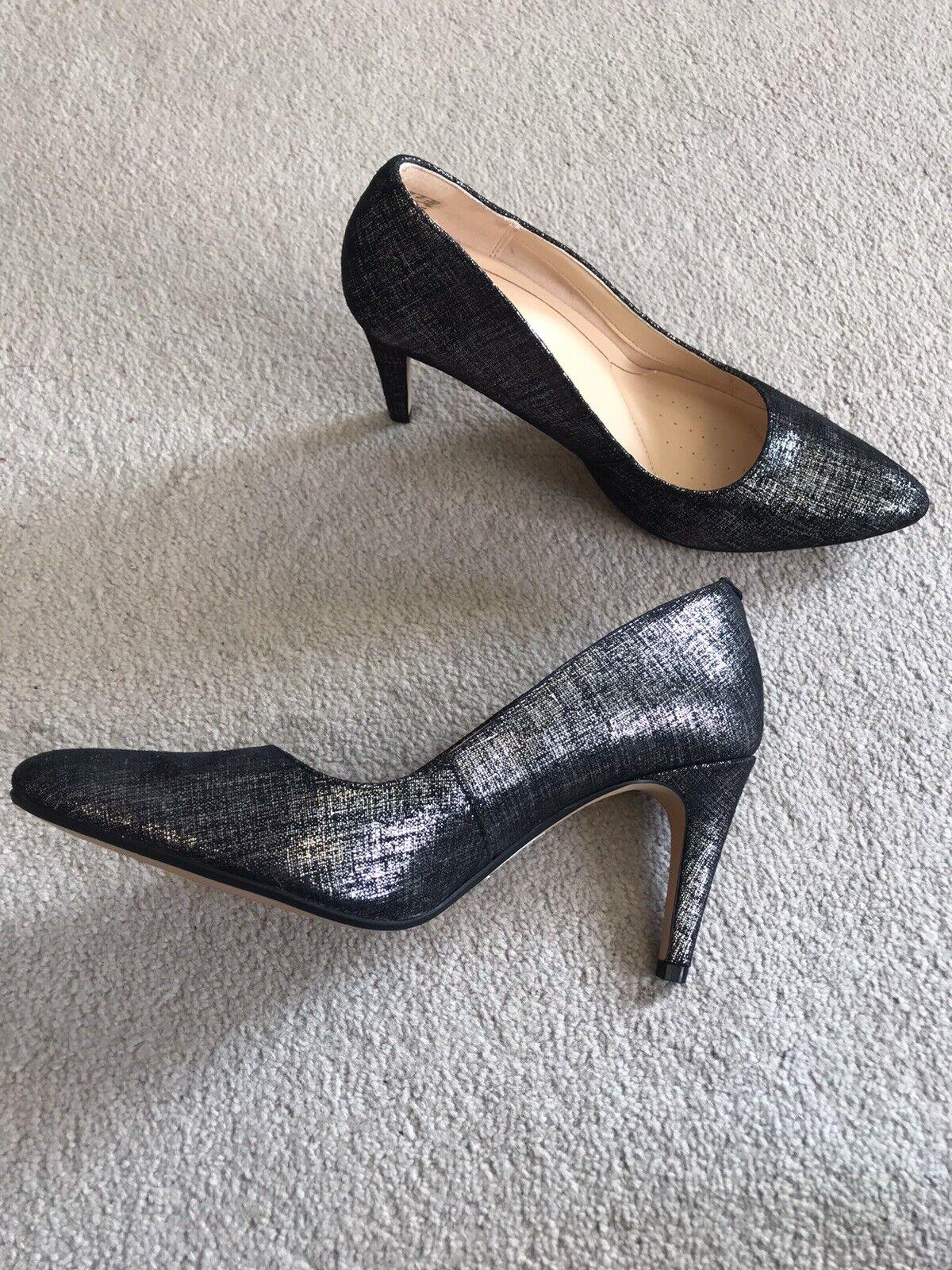 Womens Black / Metallic Size 6 Stilleto Mid Heel Brand New RRP