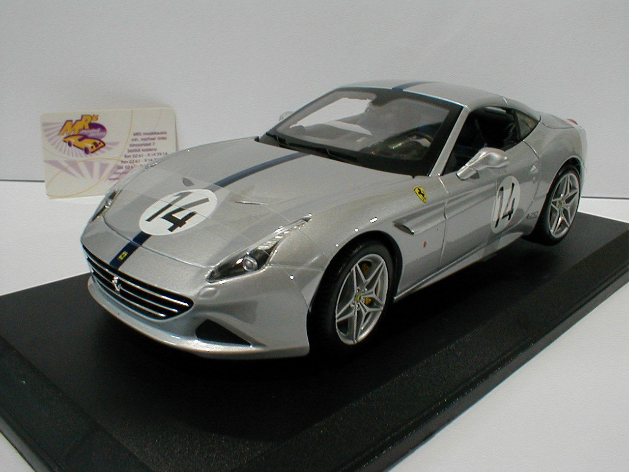 Bburago 18-76103-Ferrari California T No14 The Hot Rod 70th Anniversary 1 18