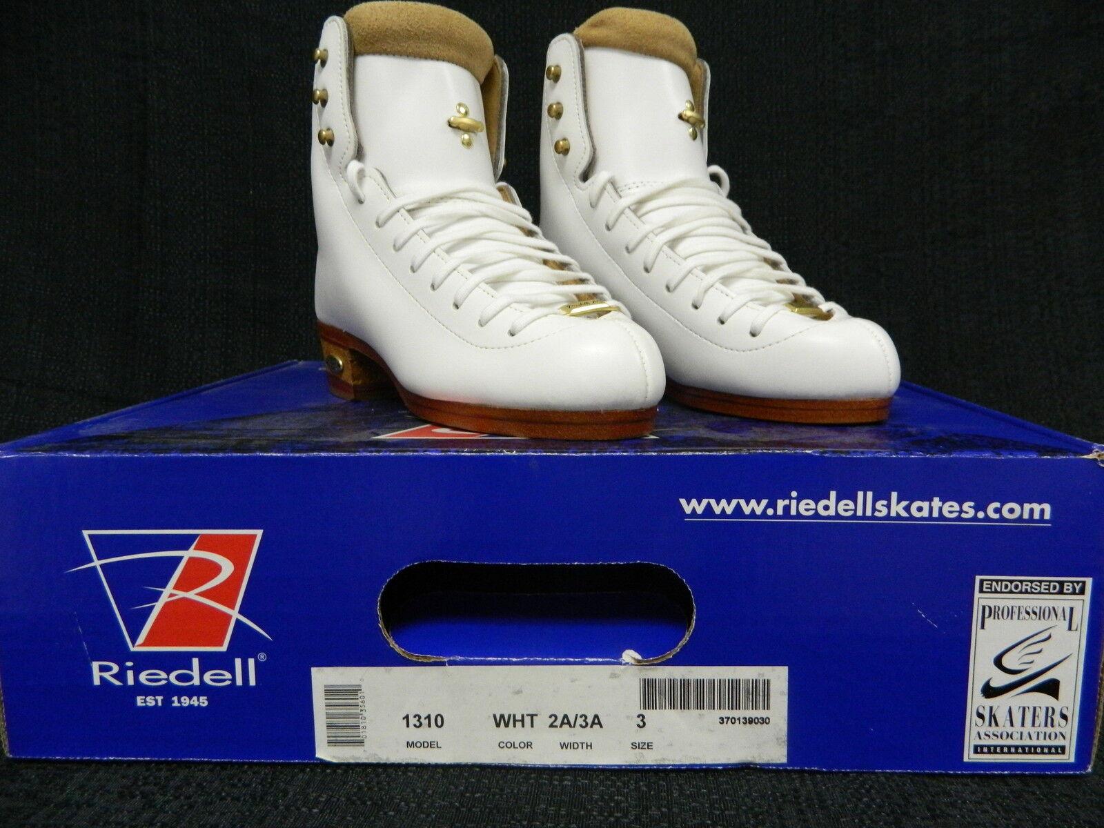 Riedell model 1310 3 AA AAA