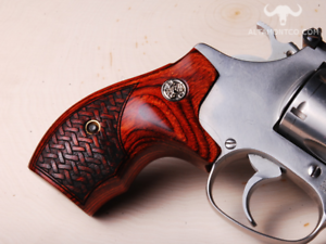 Details about Altamont S&W J Frame Round Boot Rosewood Basketweave Silver Medallion Wood Grips