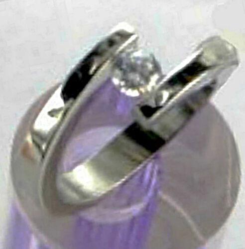 Taille 5-En Boîte Cadeau Titane Hautement Poli Bypass Tension Bague avec 5 mm CZ