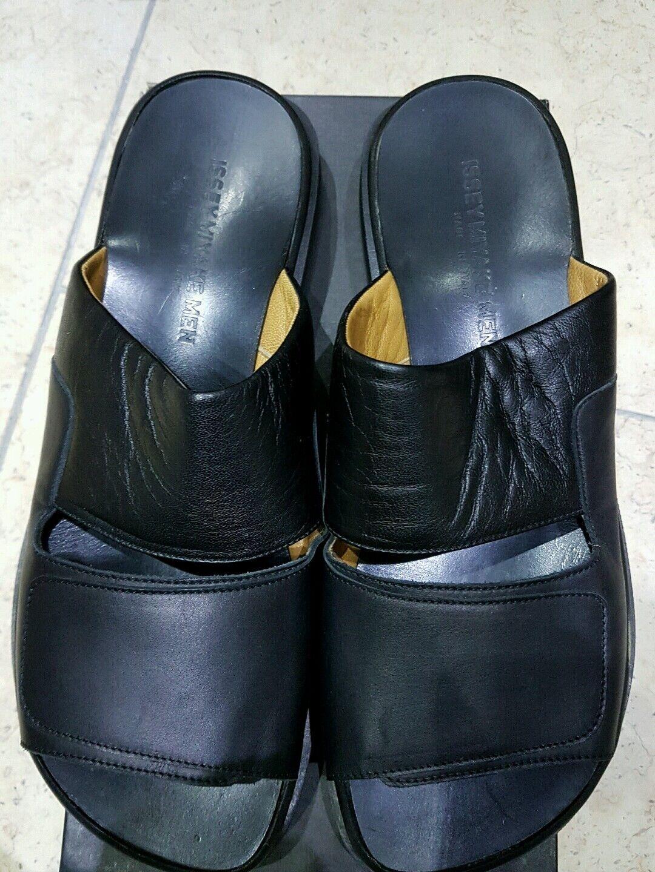 Sandali e scarpe per il mare da uomo ISSEY MIYAKE Designer original Leather Muli Taglia 42/8 Nero