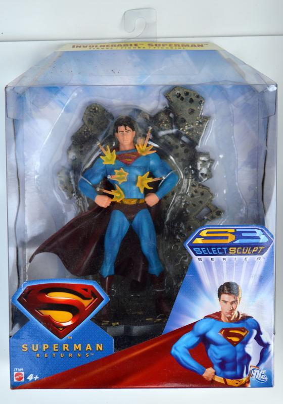 TRI-LINGUAL CARD INVULNERABLE SUPERMAN Returns Action Figure Figure Figure Rare Canadian MIB abdaf0