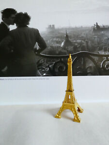 Eiffel-Tower-Replica-Paris-Souvenir-Gold-Metal-4-034-tall-x-1-5-8-034-wide-at-base
