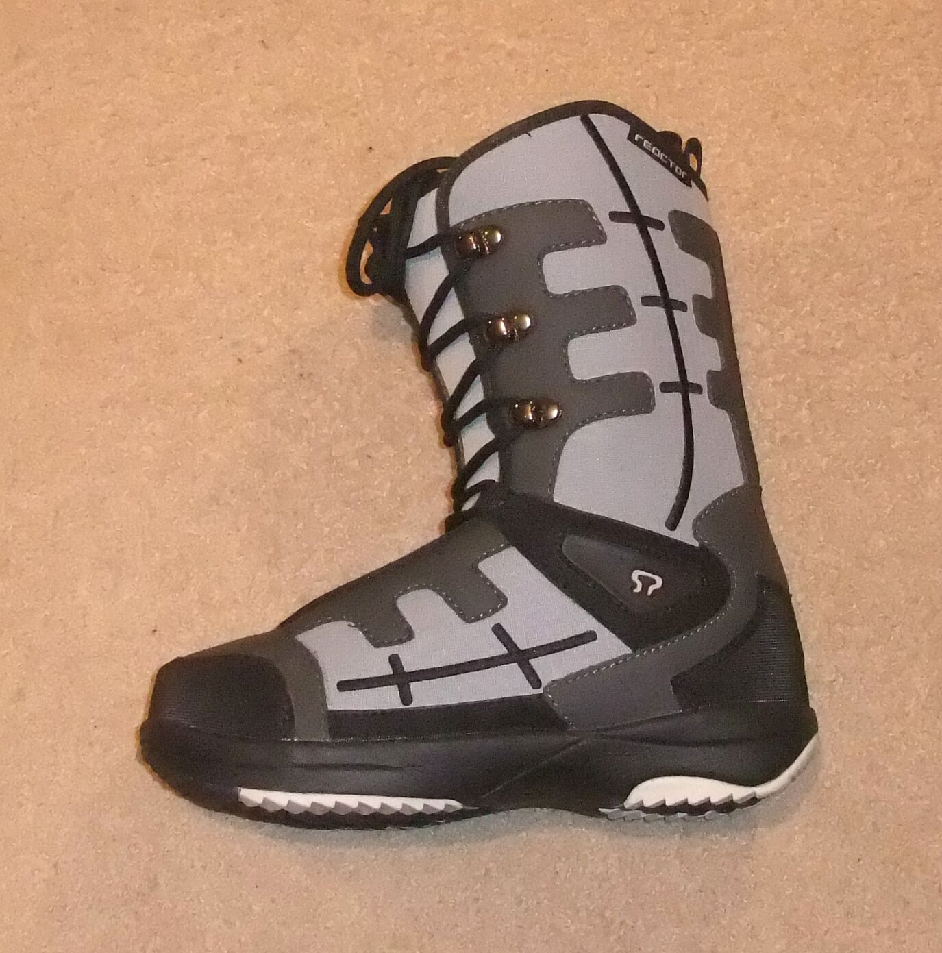 NEW  SOWN PRO REACTOR  SNOWBOARD Stiefel   UK 7