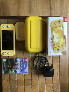 Nintendo-Switch-Lite-Yellow-Console
