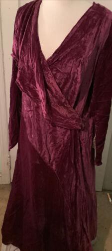 Vintage Ladies 1930s Velvet Dress
