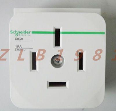 1PC Schneider rail socket EA9X416 4P 16A 3P N socket 4 hole socket
