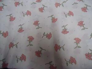 VINTAGE-PINK-amp-GREEN-FLORAL-Fabric-Remnant-55cm-x-50cm
