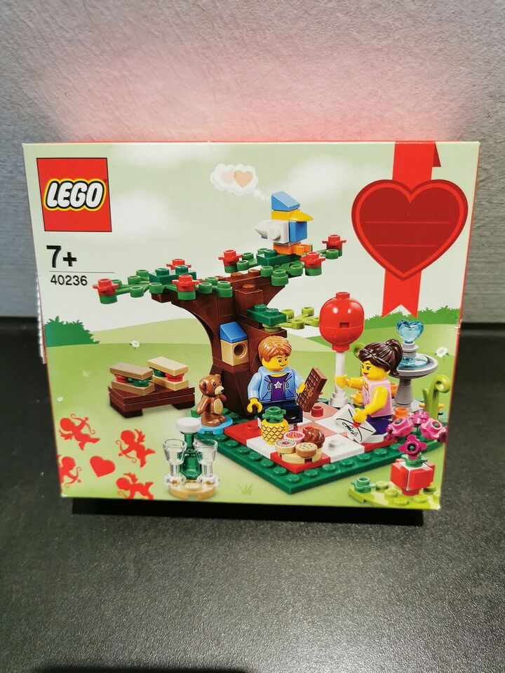 Lego Exclusives, 40236