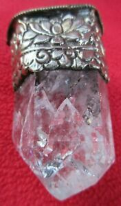 Tantric-Buddhist-Himalayan-Quartz-Crystal-In-Embossed-Silver-Magical-Pendant
