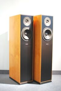 Audiophil-Cantata-Manufakturware-in-Birnbaum-Echtholz