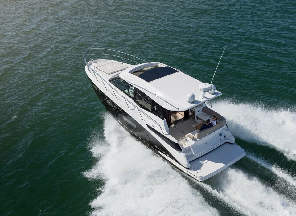 Regal 42 Coupe, Motorbåd, årg. 2018