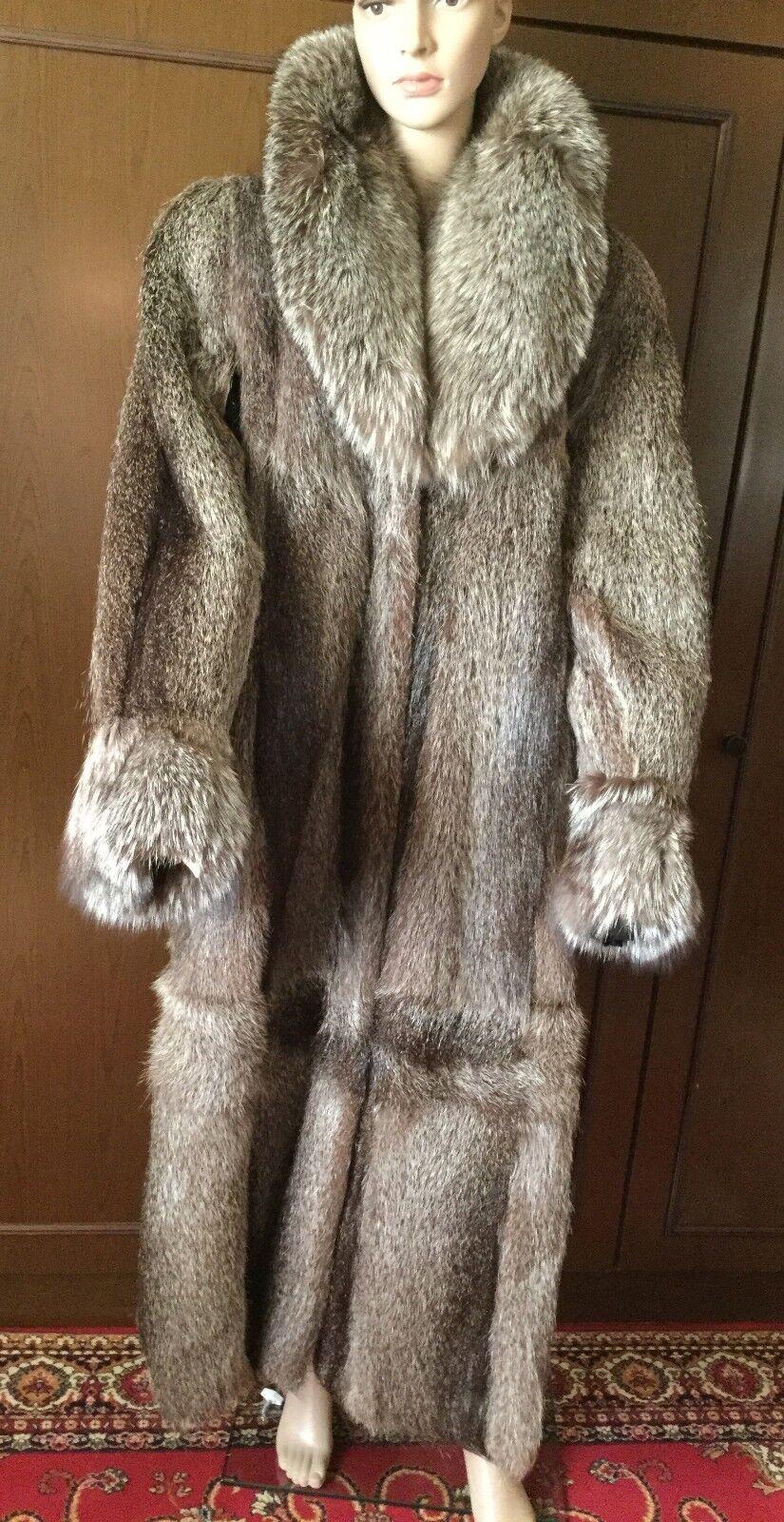 Natural fur coat from nutria with a fox fox collar Joseph Ribkoff Donna, Dimensione 52