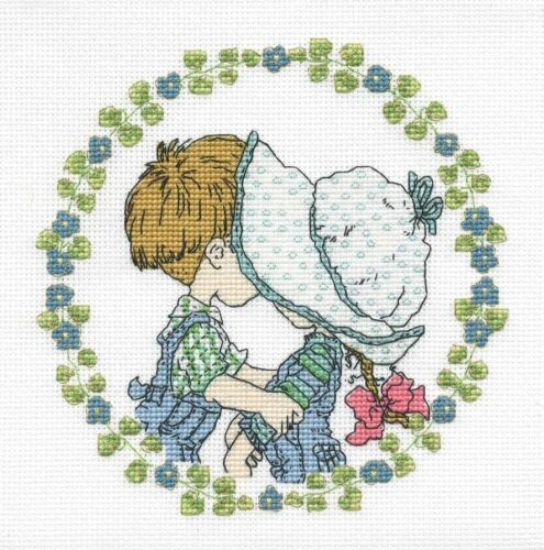 "Sarah Kay /""First Kiss/"" Cross Stitch Kit DMC 6/"" x 6/"" 16 Count"