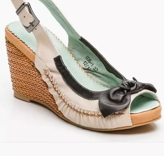 color Pourpre - Leather sandals with wedged heels Beige, black,UK6- EU39-US7.5