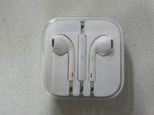 9207cb8bd19 Genuine Apple Wired Headset Earpods with a 3.5mm Headphone Jack ...
