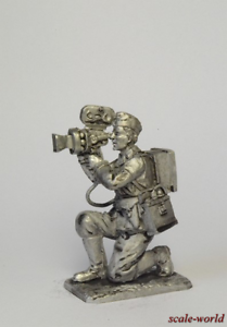Tin-soldier-figure-Cameraman-Germany-1943-54-mm