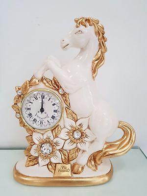 Gastvrij Orologio Con Cavallo Via Veneto In Ceramica Panna E Foglia Oro Con Cristalli Om Digest Greasy Food Te Helpen