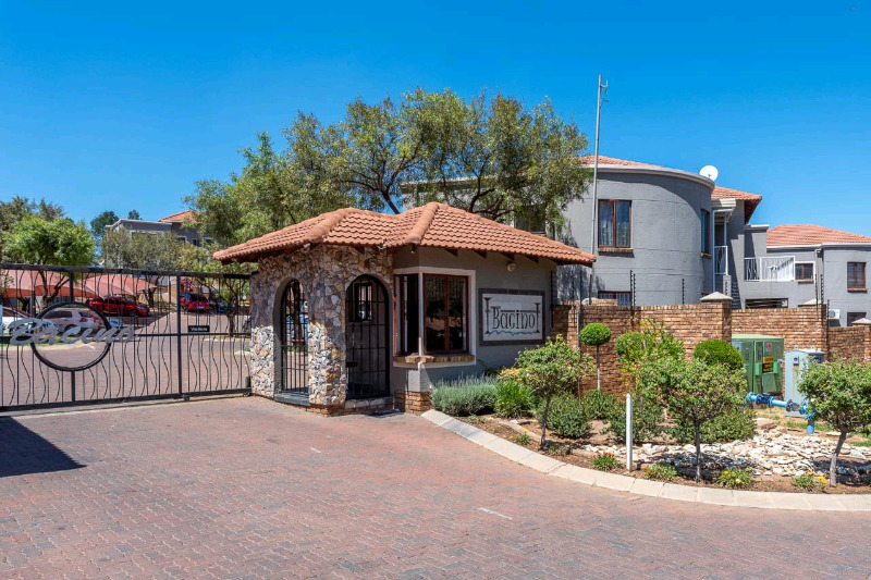 SECTIONAL TITLE UNIT FOR SALE BACINO IN WINCHESTER HILLS