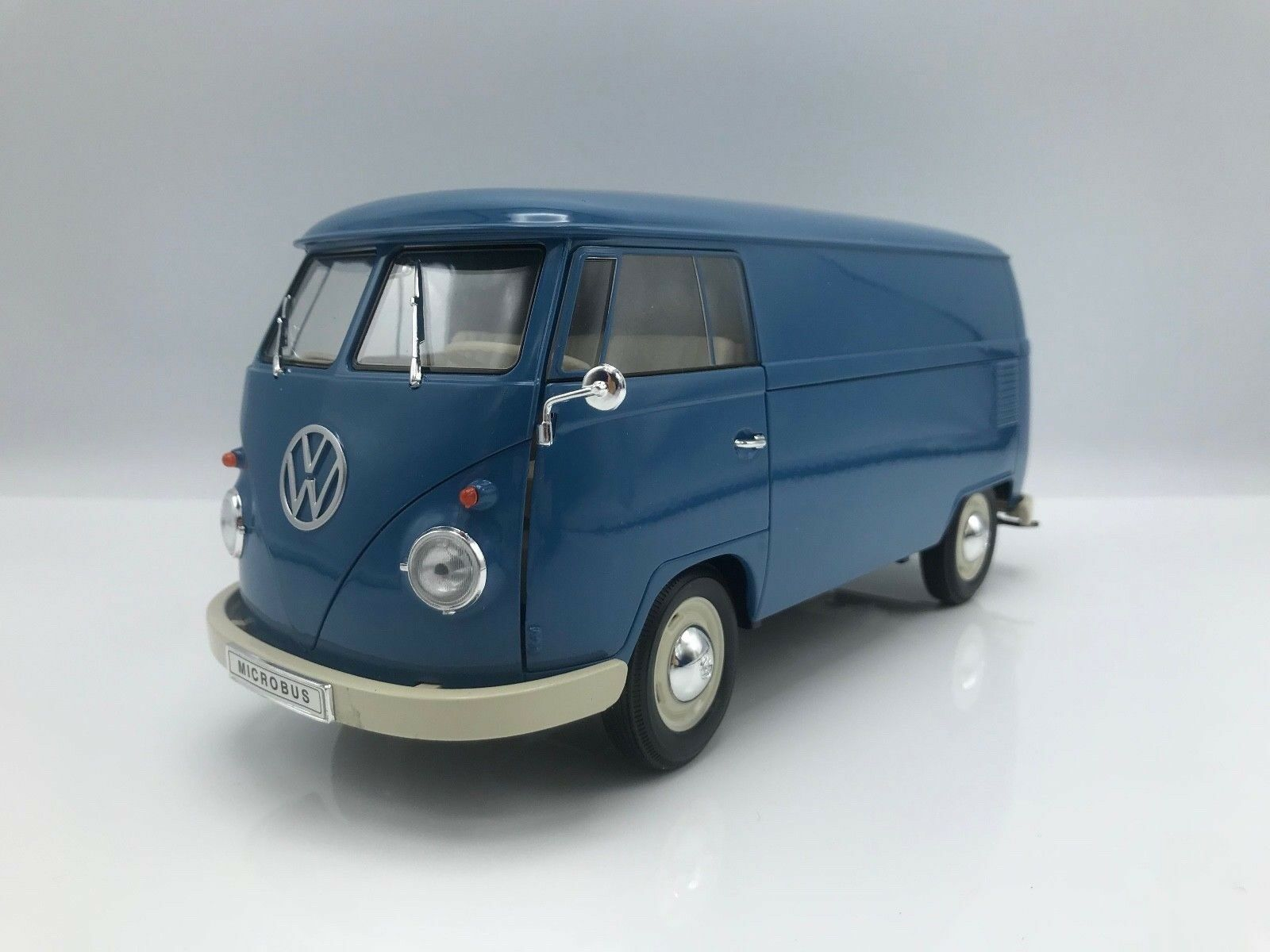VW T1 Kastenwagen 1963  blue    -  1 18 Welly     NEW 665a47