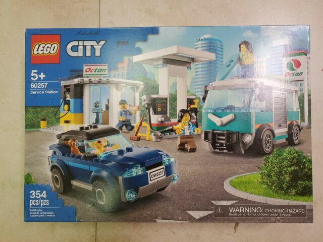 Lego City 60257 Service Station Brand New /& Factory Sealed