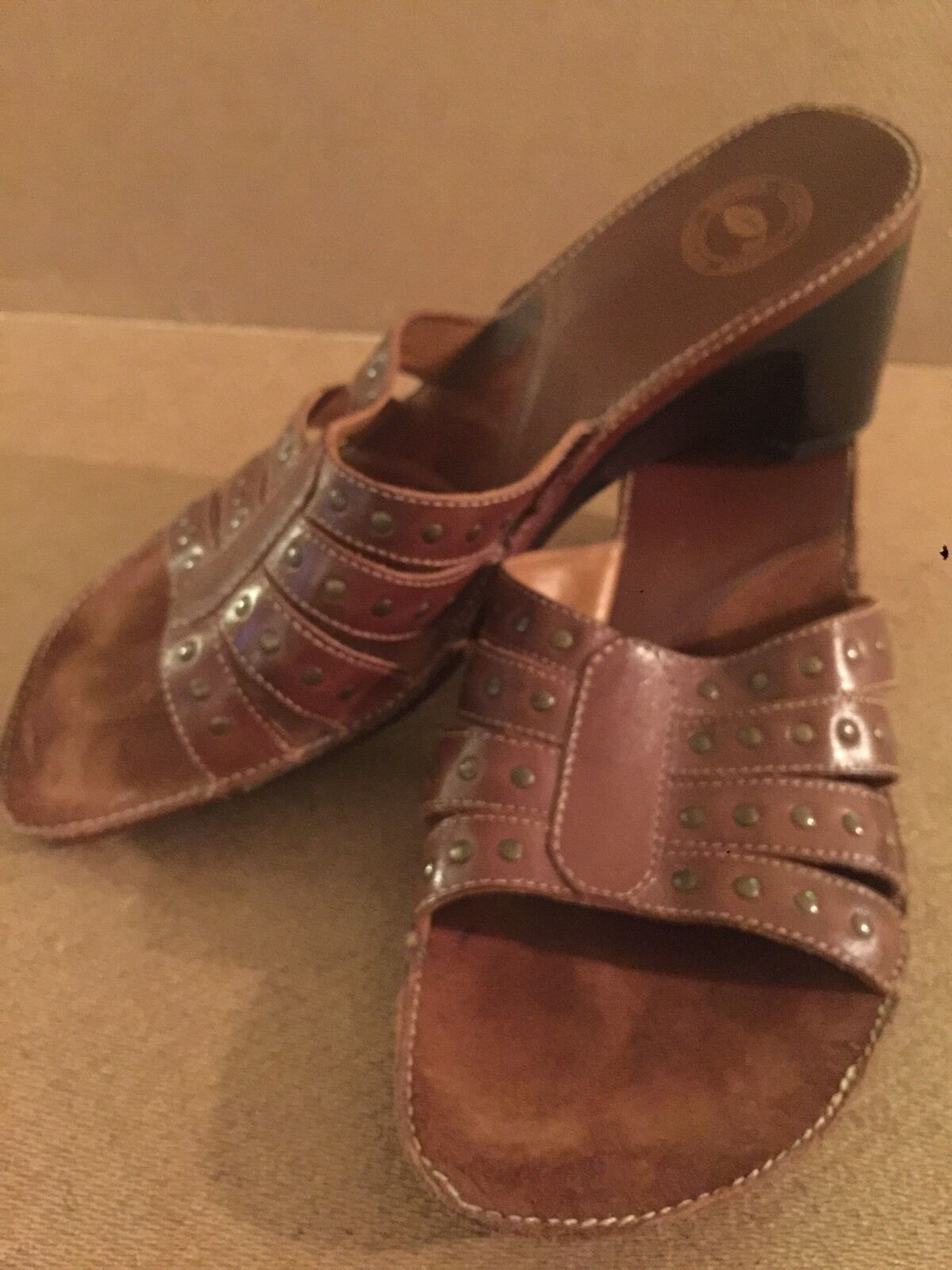Women's on sz 9 M Brown Leather Studs NURTURE slip on Women's Sandals/wedges heels Shoes sw 4bc4a1