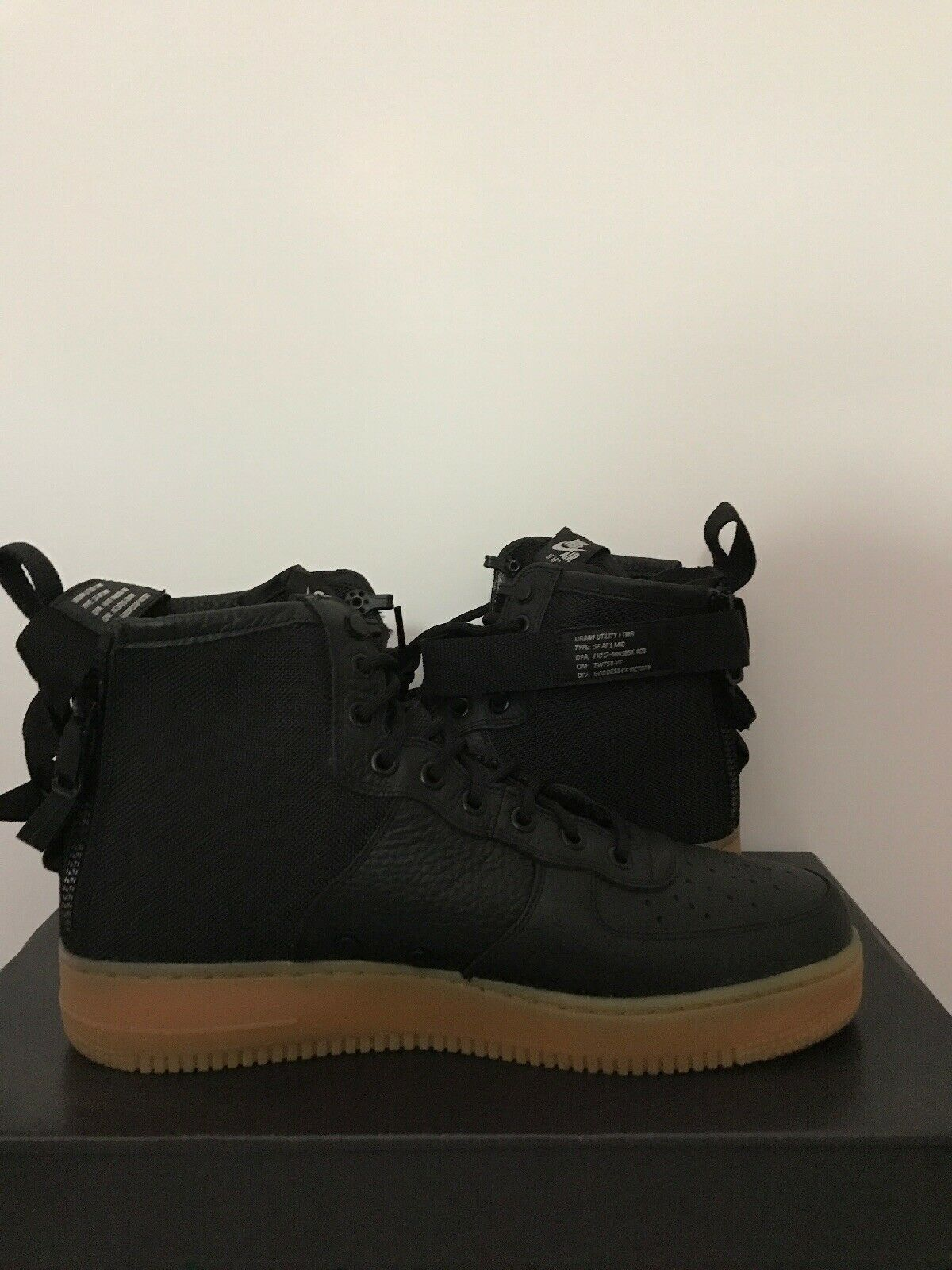 Nike  Air Force 1 High nero Court viola Sz 11 315121 -021 (2012 -13 Release)  risparmiare fino all'80%