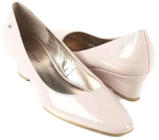 Nuevo para para para mujer Etienne Aigner rosado Cuero Zapatos De Bomba De Tacón De Cuña Puntera Puntiaguda Talla M  alta calidad