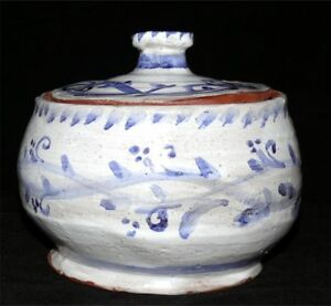 Vintage-Pottery-Jar-Studio-Country-Rustic-White-Blue-Signed-Paw-Print