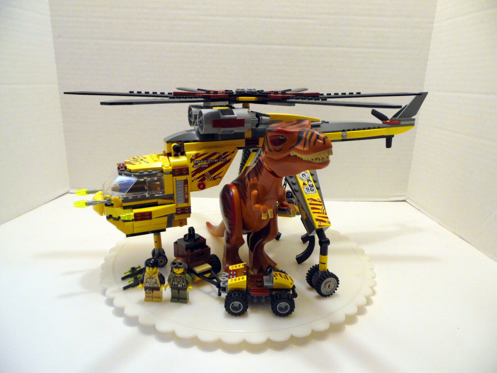 Lego 5886 T-Rex Hunter - 2012 - 100% Build Complete