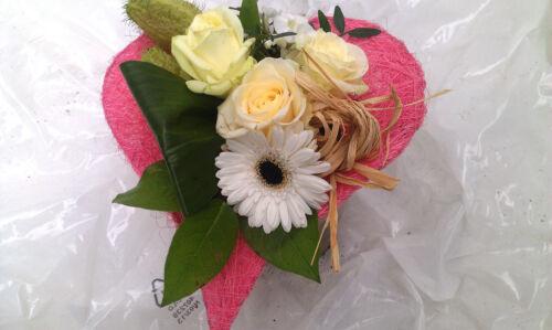 """Blumenversand /""""Sweet Love/"""" kostenlose Glückwunschkarte  Blumenstrauß...Blumen"""