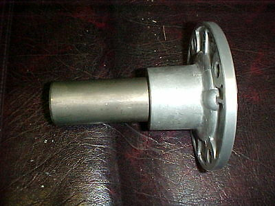 1994-04 Ford Mustang V6 V8 T5 5 speed bearing retainer with seal ...