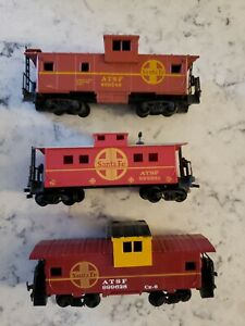 Three Different SANTE FE Caboose HO Scale - lot of 3