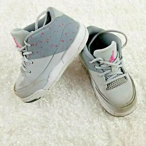 newest 269ce b134b Details about Air Jordans girls grey shoes SIZE 6 YOUTH pink accent  altheltic basketball (C)