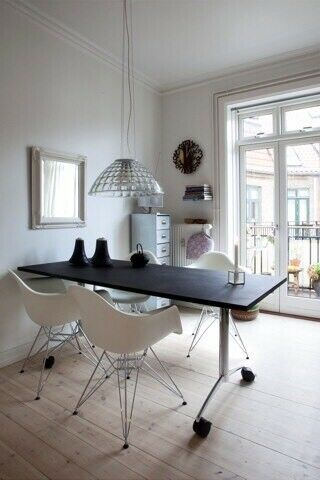 Spisebord, Stålstel med sort MDF plade dækket af 5mm