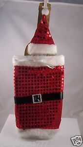 Accessorize-your-wine-Santa-wrap-cap-for-a-wine-bottle-Christmas-holiday-theme