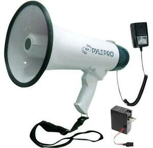 PYLE PMP45R Professional Dynamic Megaphone With Recording Function/Detachable Microphone & Rechagable batteries Canada Preview