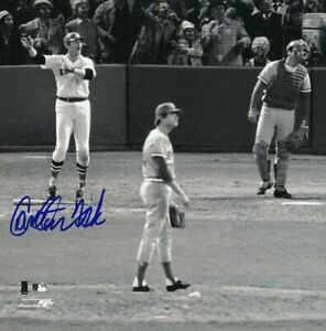 Carlton-Fisk-8-x10-Autographed-Signed-Photo-Red-Sox-HOF-REPRINT