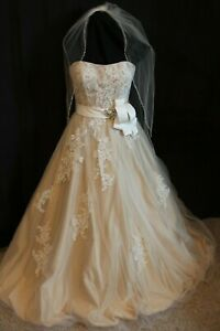 NWT-HOUSE-OF-WU-19924-Ivory-gold-Size-12-Lace-over-satin-WITH-Matching-Veil