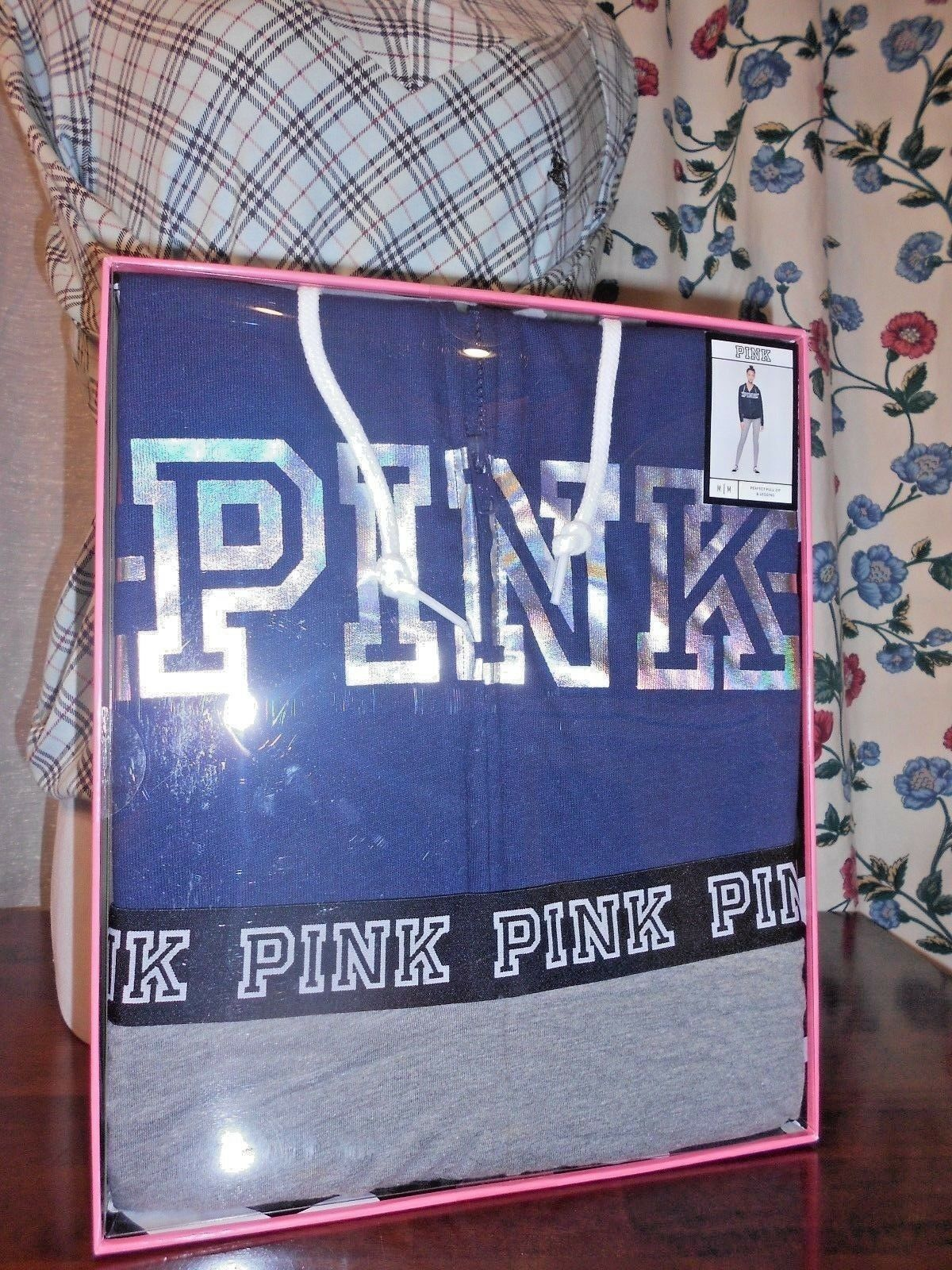 VICTORIA'S SECRET PINK PERFECT FULL ZIP FOODIE & LEGGING GIFTSET BNWT  64.95 M